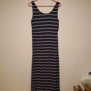 Tart brand Maxi dress with side slits, size large
